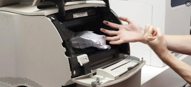 Kiểm tra xem máy in có bị kẹt giấy hay không